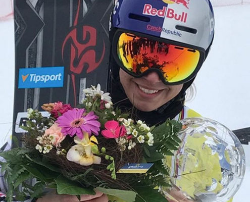 SG-SNOWBOARDS-Ester-Ledecka-Big-Crystal-Globe-2019-Scuol-pic-by-FIS