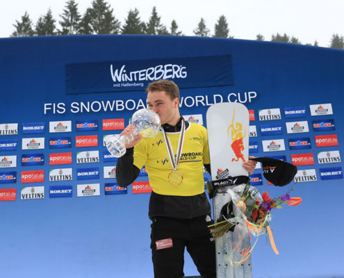 SG-SNOWBOARDS-Stefan-Baumeister-Winterberg-2019-PSL-Globe-pic-by-FIS